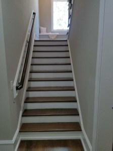 31 - Box Straight stair with wood wall rail