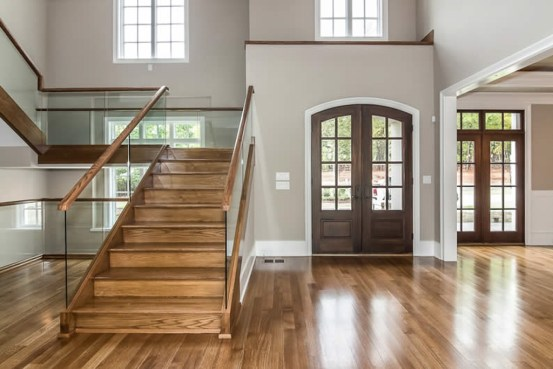 32 - Closed riser Straight stair with glass with White Oak wood