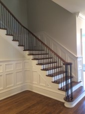 45 - Staright L Stair NO post and metal balusters