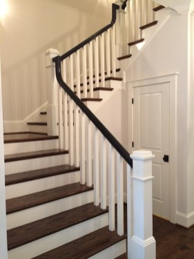 50 - Traditional U straight stair with Box newel post