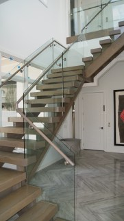 Modern open rise Cut Stringer Straight stair with side mount Glass