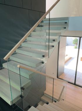 Modern Open-Riser-Glass-Straight-Stair-Vision-Stairways-3