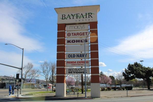 Shopping Mall Signs Vision Visual - Golden Lakewood
