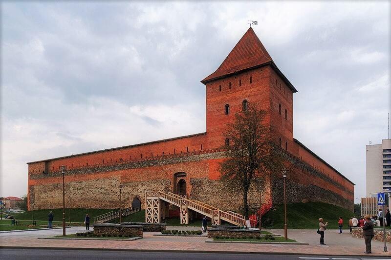 Лидский замок снаружи