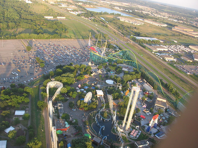 "Valleyfair aerial view Image by <a href=""https://flic.kr/p/jNmTp"" target=""_blank"">christine/flickr</a>"