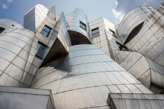 "Weisman Art Museum, U of M Campus in Minneapolis. Image by <a href=""https://flic.kr/p/oDRVfK"" target=""_blank""> Ashley Diener/flickr</a>"