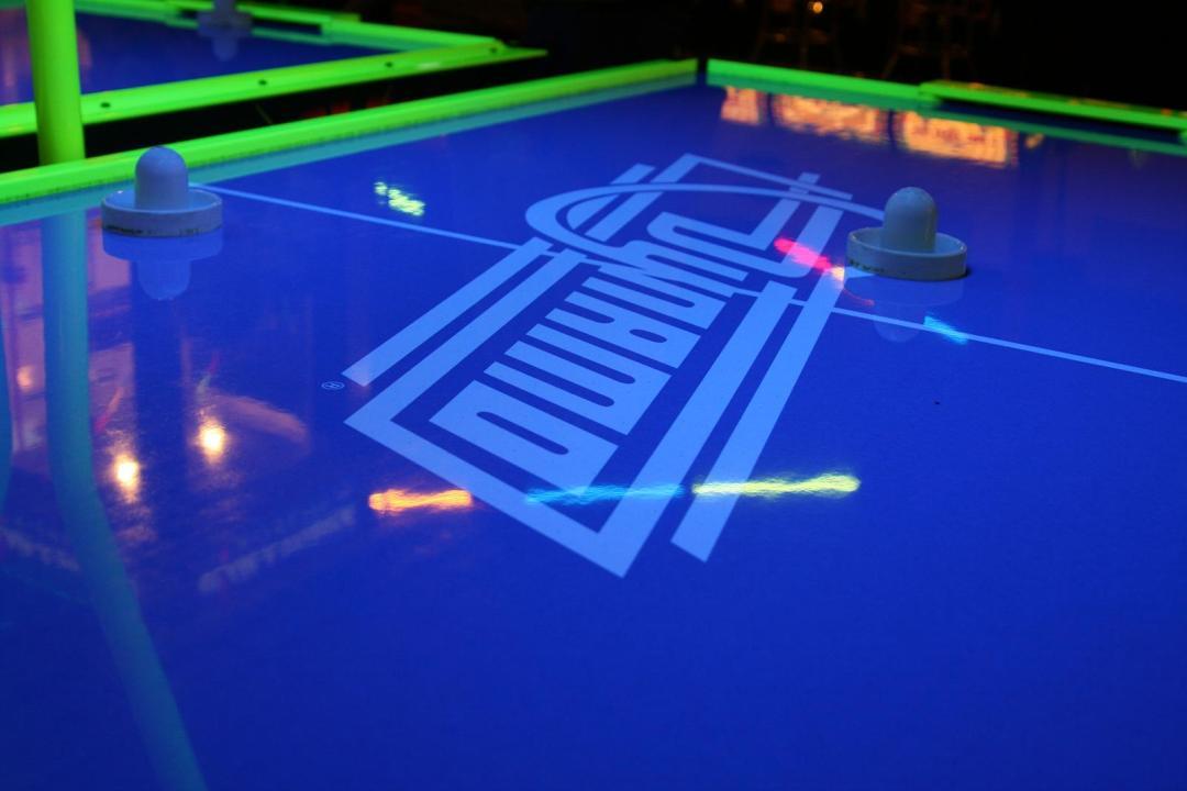 """Air Hockey. Image by sharyn morrow <a href=""""https://flic.kr/p/5JDWLa"""" target=""""_blank"""">sharyn morrow/flickr</a>"""