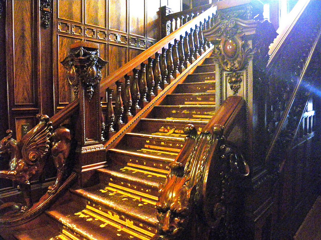 "Swedish American Institute Staircase. Image by <a href=""https://flic.kr/p/auTpmP"" target=""_blank""> PunkToad/flickr</a>"