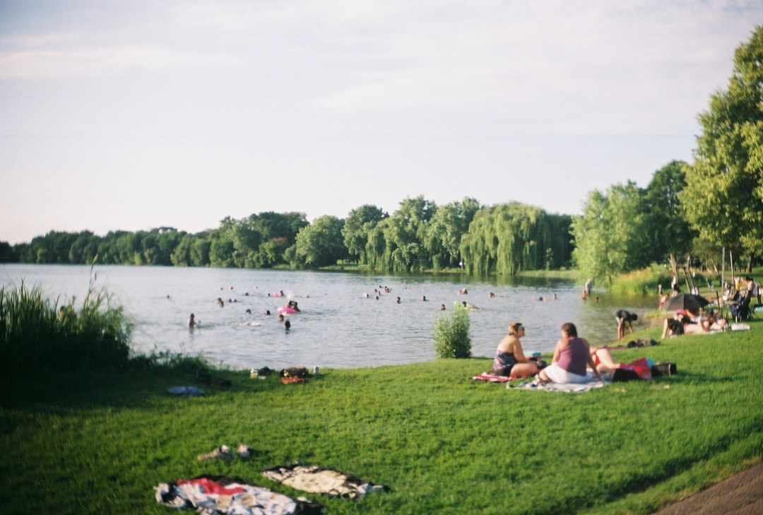 Lake Nokomis picnicers and swimmers