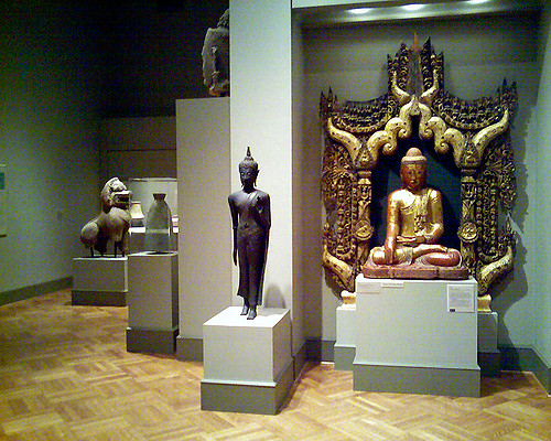 "Sculptures at Minneapolis Institute of Art. Image by <a href=""https://flic.kr/p/3X72Tp"" target=""_blank""> Jerry/flickr</a>"