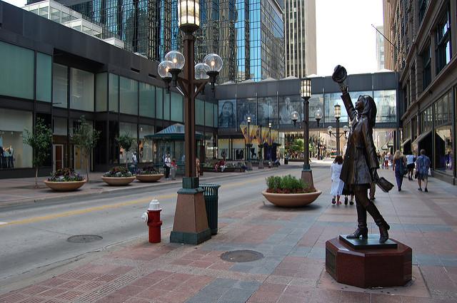 "Nicollet Mall Downtown Minneapolis. Image by jpellgen <a href=https://flic.kr/p/67zGtR target=""_blank""> jpellgen/flickr</a>"