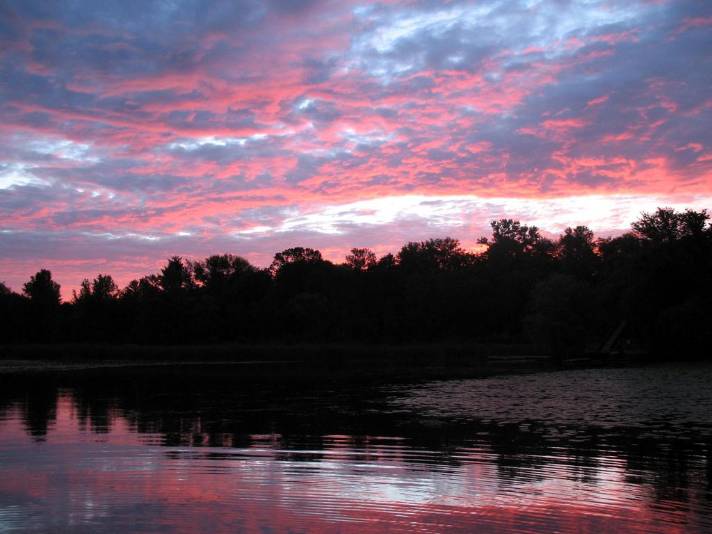 """Forest Lake Sunrise. Image by <a href=""""https://flic.kr/p/6oKQng"""" target=""""_blank"""">jpellgen/flickr</a>"""