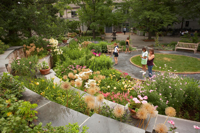 MacMillan Garden. Image by John Gregor/Greenspring Media - Minnesota Landscape Arboretum - Visit Twin Cities