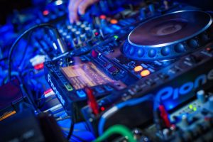 DJ spin table