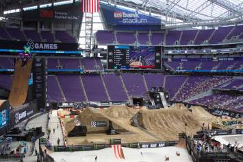 An overview of the Big Air ramp, skate bowl and skate park courses, and moto X jumps at X Games Minneapolis 2017.
