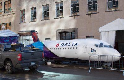 Super-Bowl-Delta-Plane-Grill
