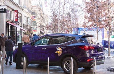 Super-Bowl-Vikings-Car