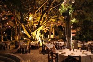 Nuevo Vallarta / Flamingos: El Dinomita Restaurant, Nuevo Vallarta
