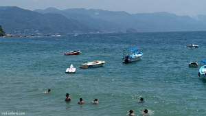 Los Muertos Beach in Puerto Vallarta, Mexico is a great tourist and retirement destination. | www.visit-vallarta.com