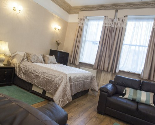 Double bed option in 2 bed apartment