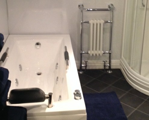 Jacuzzi Bath in Rental Accommodation