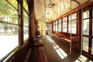 Los tranvías históricos de Milán  - interior de un tranvía