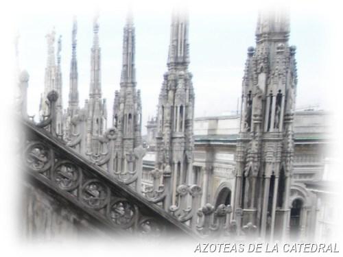 TOURS EN MILAN - VISTA DE LAS AZOTEAS DE LA CATEDRAL