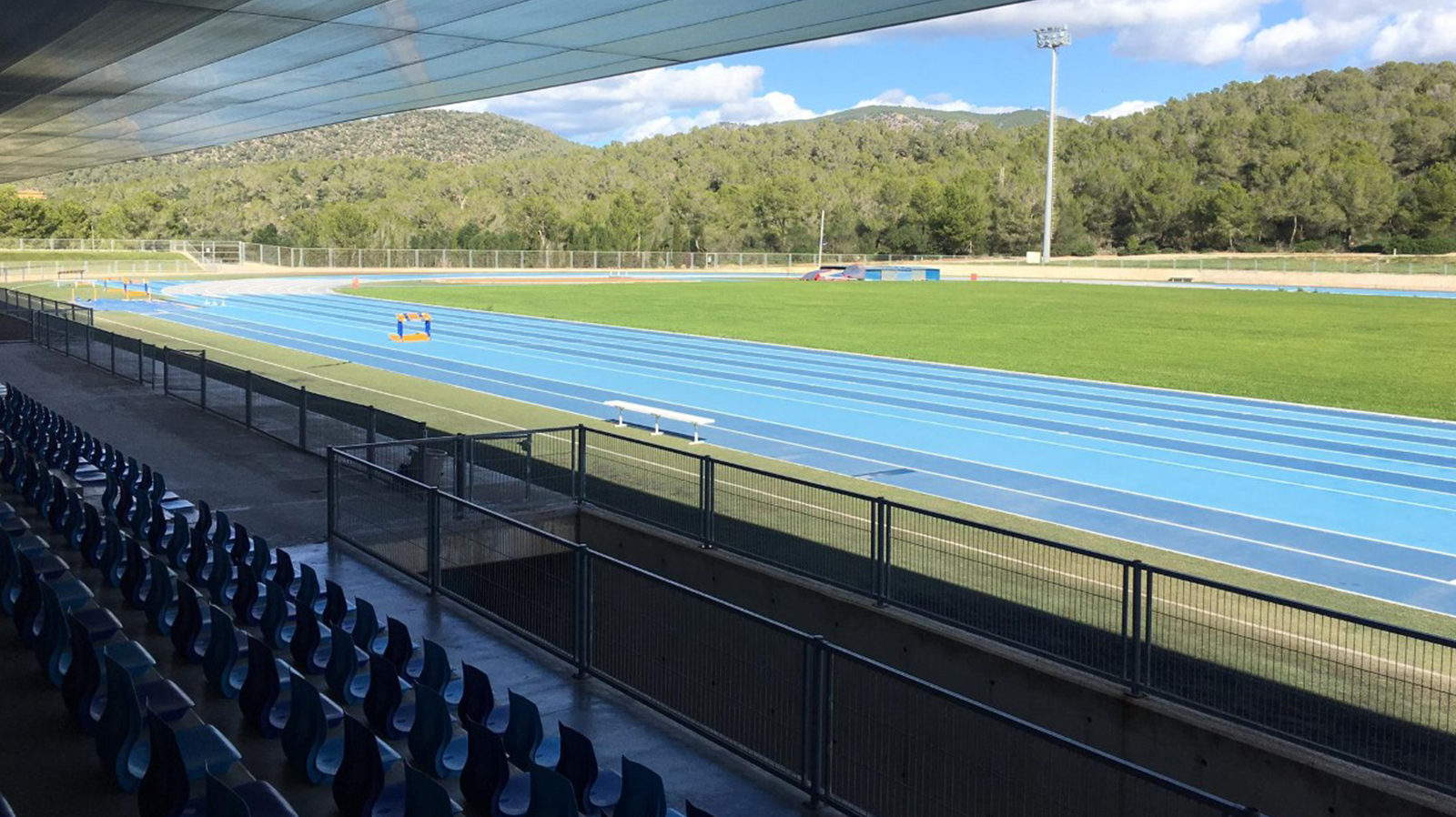 Athletics track in Magaluf , Entrena atletismo en Mallorca , Athletics track in Mallorca