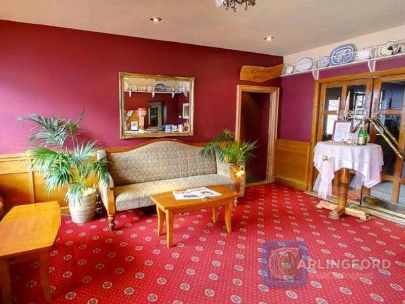McKevitts-Village-Hotel-5
