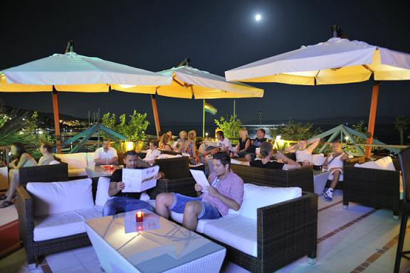 Unterhaltung und Nachtleben in Tucepi Dalmatien Kroatien