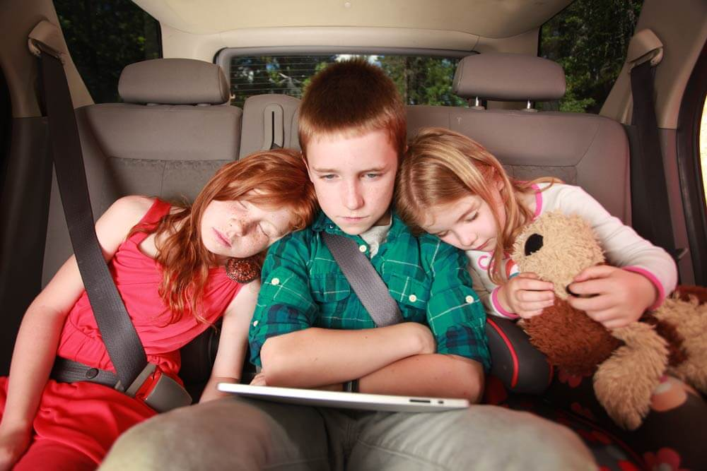 kids-in-car2