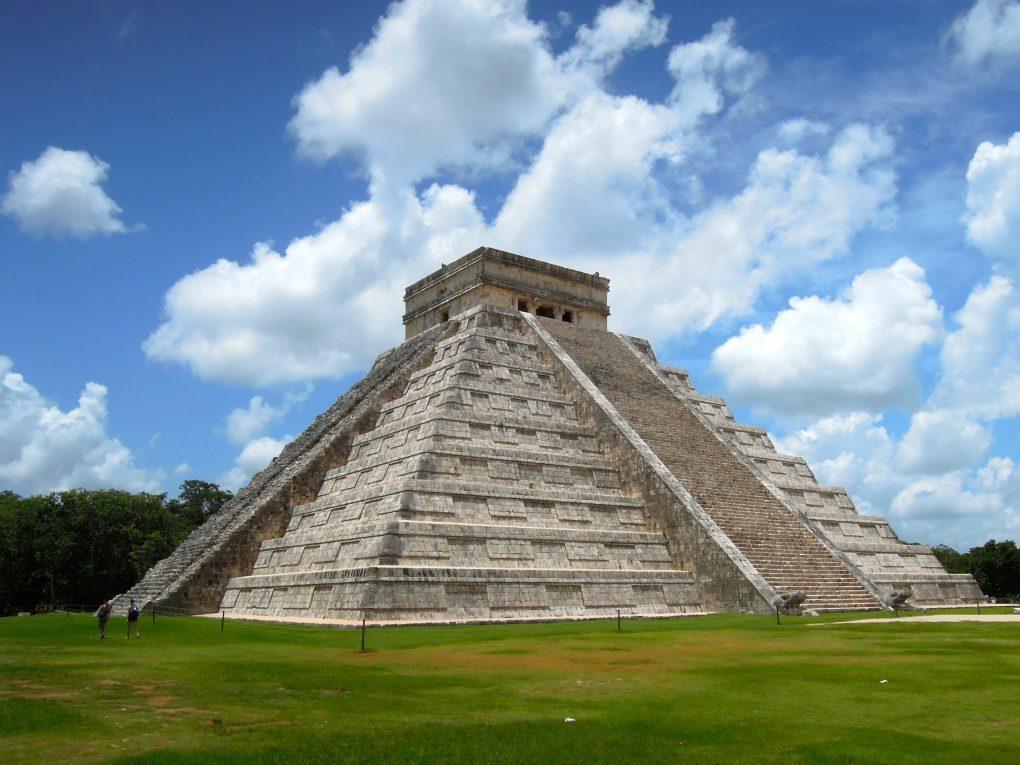 Mayan temple of Chichen Itza
