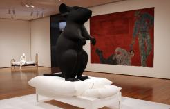 Museu de Arte de Seattle: obra O homem e o rato de Katharina Fritsch