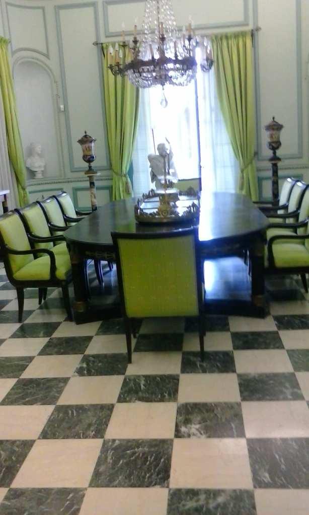 L'attribut alt de cette image est vide, son nom de fichier est salle-a-manger-musee-napoleon-habana.jpg.