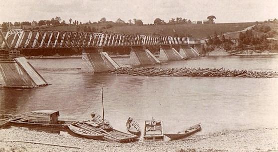 Visit Hartland - River boats for log drives