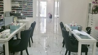 Korean nail salon
