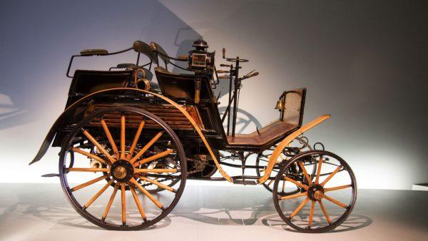 Martin's Spring Carriage Auction, Lebanon Expo Center