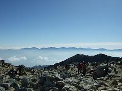 南アルプス 奥には富士山