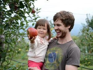 Apple Picking Starts October 1 at Yokoya Farm!