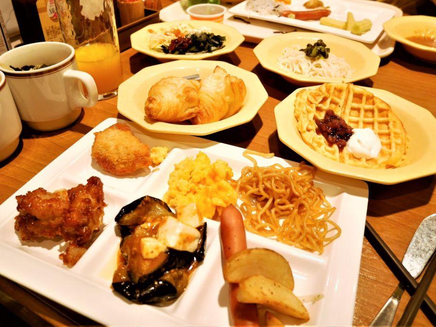 COCO'S鄰近松本市美術館,假日超值早餐