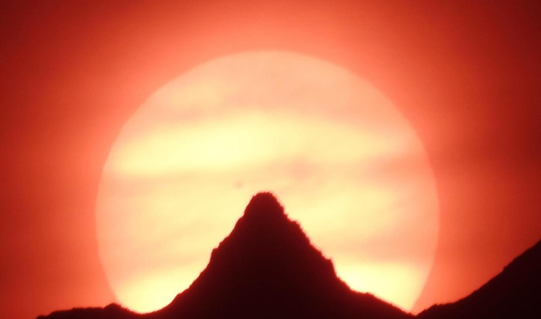 槍ヶ岳に沈む太陽を追いかける!渡邉博さん(里山辺林)