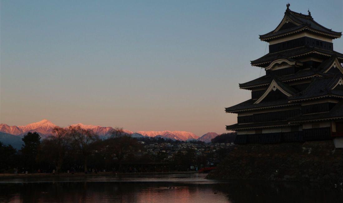 令和二年元旦の国宝松本城