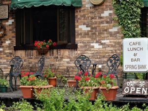 乗鞍高原でランチ 開店20周年を迎えた「Cafe & Bar Spring Bank」