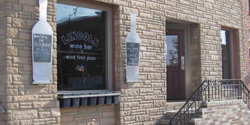 Photo of the entrance to the Lincoln Wine Bar