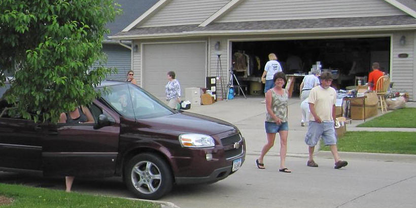 Attendees at Mount Vernon Garage Sale Summer 2014