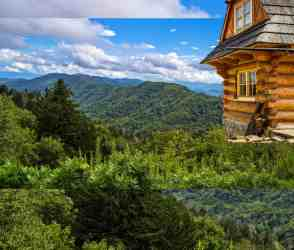 pigeon forge cabins gatlinburg bedroom cabin rentals mountain tn tennessee smoky chalets visitmysmokies stay sevierville vacation area lodging coupons events