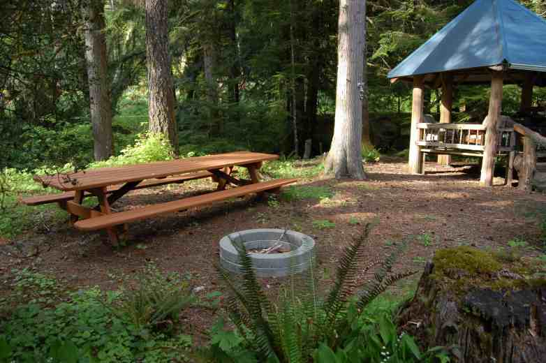 Stepping Stone Cabin Picnic Area