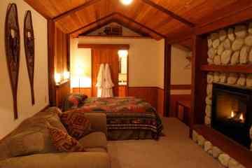Almost Paradise Lodging Rainier Cabin