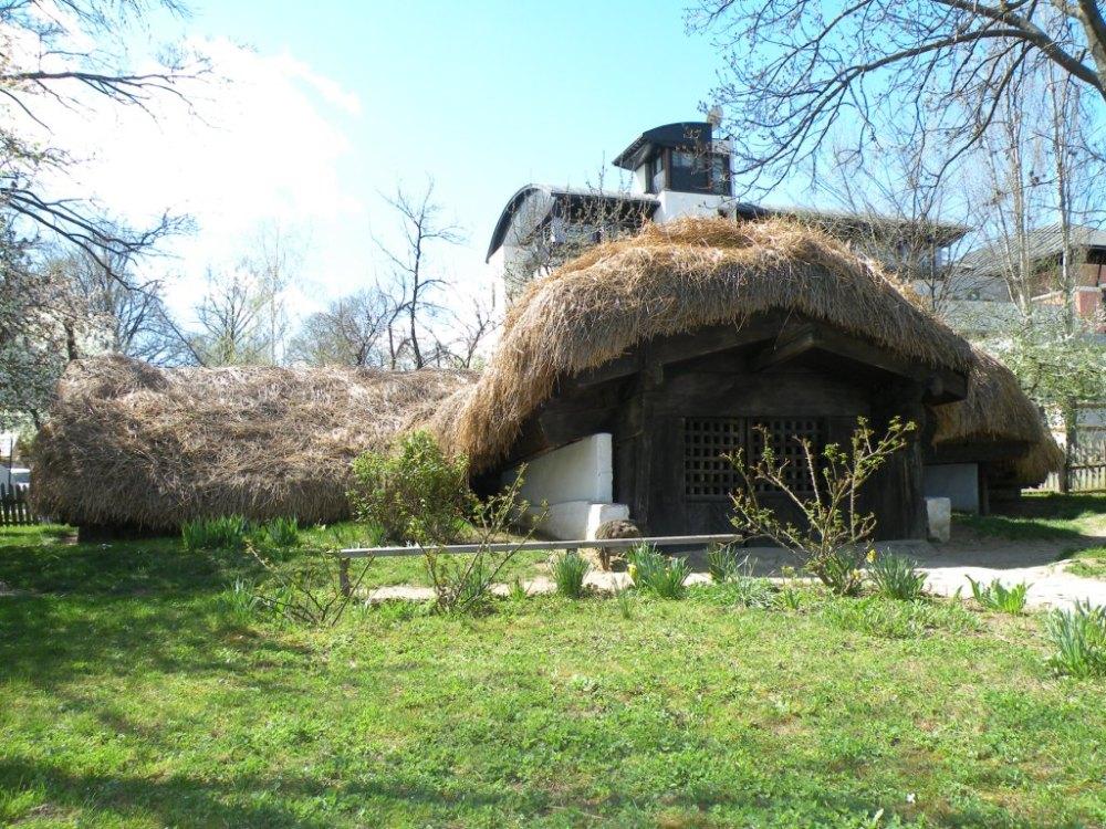 Bordeiul - Locuinţă Tradiţională din Oltenia (2/3)