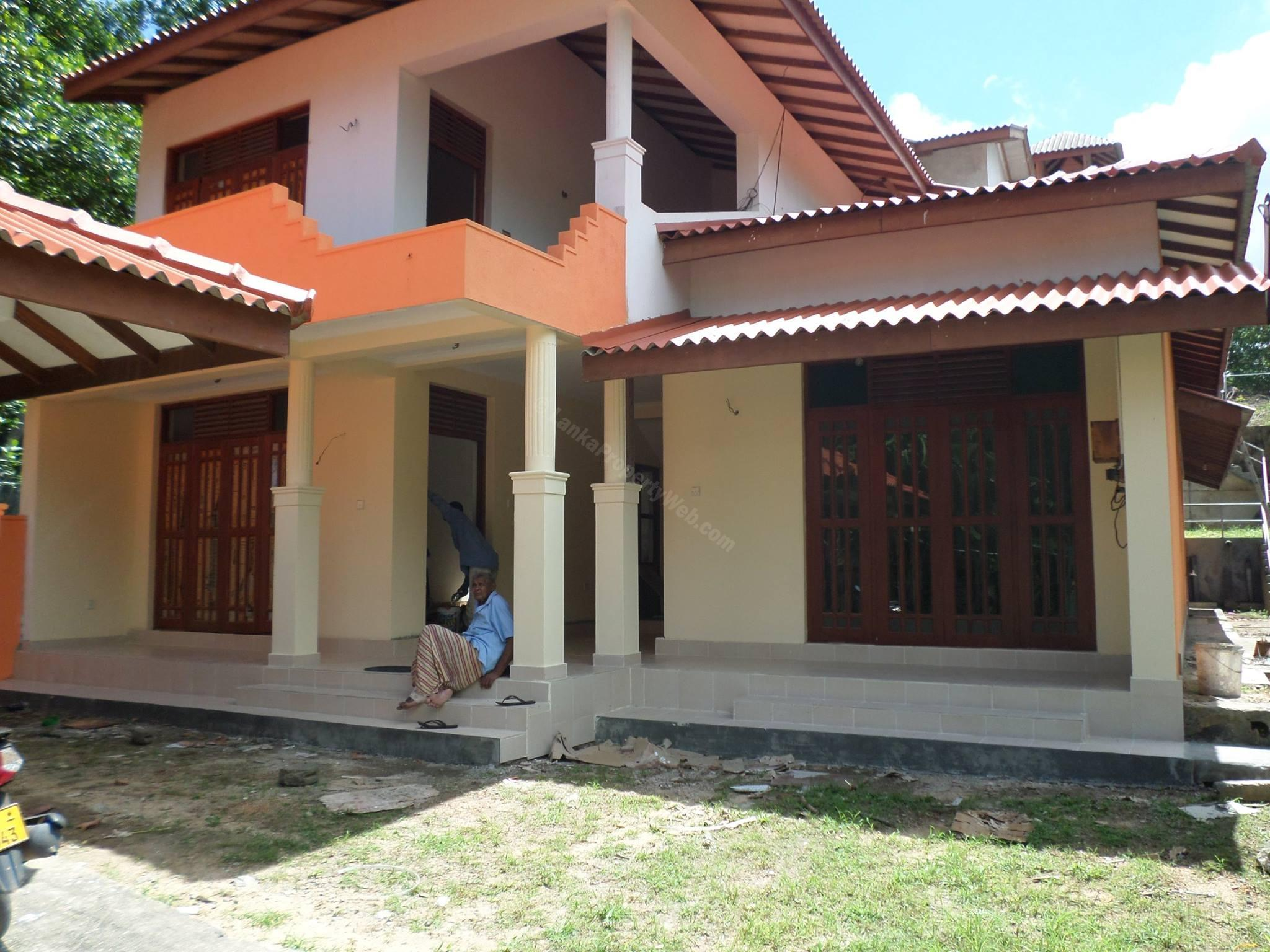 Two brand new units for sale at jaela real estate for Sri lanka modern house photos